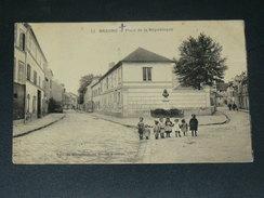 BEZONS  1903  /   PLACE DE LA REPUBLIQUE      CIRC   OUI  EDIT - Bezons