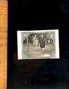 Photographie Originale 2 Jeunes Femmes à VICHY 1930 Reine Des Villes D' Eaux - Lieux
