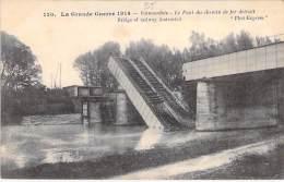 MILITARIA ( Guerre 1914-18 ) 95 - VALMONDOIS : Le Pont Du Chemin De Fer Détruit / Bridge Of Railway Destructed - CPA - Oorlog 1914-18