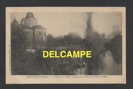 DD / 86 VIENNE / JAZENEUIL / LE CHEVET DE L'EGLISE ROMANE ET LA VONNE EN AMONT DU PONT - France
