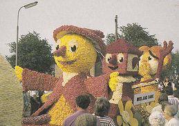 Midland Bank Tulip Parade Spalding Lincs Carnival Float Postcard - Angleterre