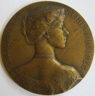 M05243  ELISABETH  - REINE DES BELGES - 1914-15-16 - Son Buste (108g) Elle Est L'ange Gardien... Au Revers - Royal / Of Nobility