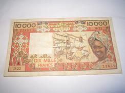 ---1 Billet 10.000 Francs SÉNÉGAL-AFRIQUE-DE-L'OUEST-(non Daté-1984-B.22-22651 - Senegal