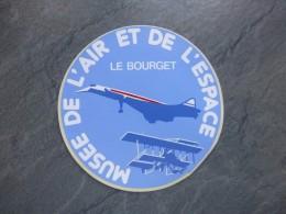 AVIATION Autocollant Le Bourget, Musée De L'air Et De L'espace    ; Ref  708 VP 35 - Aufkleber