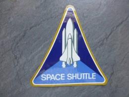 AVIATION Autocollant Space Shuttle  ; Ref  733 VP 35 - Aufkleber