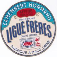 étiquette Camembert Fabriqué En Normandie à Macé (Orne) Ligué Frères - Fromage