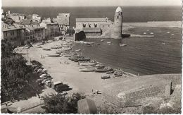 Collioure - La Plage Et L'Eglise St-Vincent - France