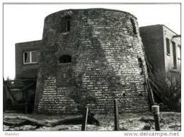 OPWIJK (Vlaams-Brabant) - Molen/moulin - Historische Opname Van De Stenen Romp Van De Verdwenen Witte Molen In 1983 - Opwijk