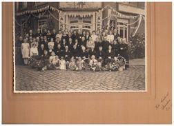 Lanaken:unieke Fotokaart Familie Postelmans-Eerdenkens Voor Café In De Dorpstraat - Lanaken