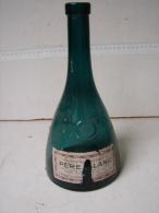 Lot. 831. Ancienne Bouteille De Grande Liqueur Père Blanc - Spiritus