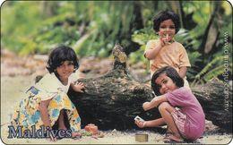Malediven Phonecard Children Play - Maldives