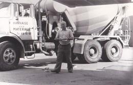 Photo  :  Le Havre (76)  Gros Camion Toupie (malaxeur Betonnière) De La Havraise Des Matériaux  1977 - Automobiles