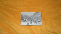 CARTE POSTALE ANCIENNE NON CIRCULEE DATE ?. / TOULON PLACE NOTRE DAME. - BOULEVARD DE STRASBOURG. - Toulon