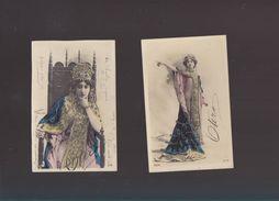Sp- Spectacle - Artiste - Collection De 2 Cartes  Dim 10.5 X 15 - Precurseur - La Belle Otéro - Ajoutis De Paillettes - Artiesten