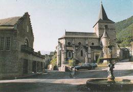 CPSM/gf (65) CADEAC-LES-BAINS.  Place De L'église. ..G667 - Frankreich