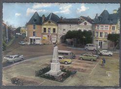Carte Postale 58. Chateau-Chinon  DS Citroën Solex Voitures Anciennes Place Principale Et Monument   Trés Beau Plan - Chateau Chinon