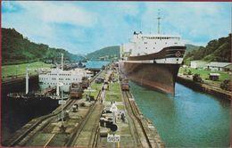 Panama Esclusas De Miraflores Locks Canal De Tarjeta Postal Vessel SL - Panama