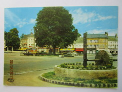 CP 27 BRETEUIL Sur ITON - La Place Laffitte  - Camion - Sation Essence Shell  & Motobécane - Breteuil