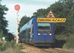 Autorail X 72523/524, à Roumazières-Loubert (16) - - France