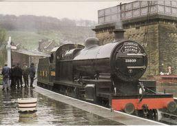Railway Postcard S&DJR 7F 13809 Keighley 1983 Cumbrian Mountain Pullman LMS Loco - Trains