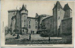 (S6-55) Angoulème - Ancien Chateau Cour Intérieure - Angouleme