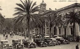 CORSE - AJACCIO - Les Taxis Devant L'Hôtel De Ville (pendant Les Etats Généraux De La Corse En Septembre 1934) - Ajaccio