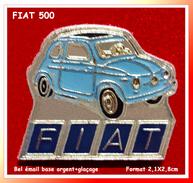SUPER PIN'S FIAT : La FIAT 500 Décapotable En Bel émail Base Argent, Format 2,1X2,8cm - Fiat