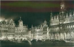 BRUXELLES - Un Coin De La Grand'Place - Bruxelles La Nuit
