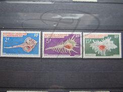 VEND BEAUX TIMBRES DE NOUVELLE - CALEDONIE N° 358 - 360 , X !!! - Neukaledonien