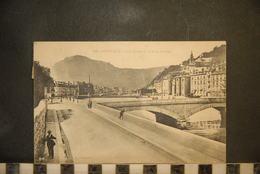 CP, 38, GRENOBLE, Les Quais Et Le Moucherotte - Grenoble