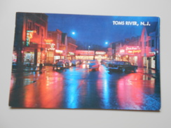 ETATS-UNIS NJ NEW JERSEY TOMS RIVER VIEW OF THE WASHINGTON STREET SHOPPING DISTRICT ON A RAINY NIGHT - Toms River
