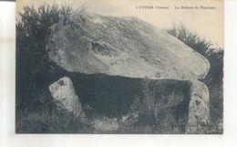Lathus, Le Dolmen De Marchain - France