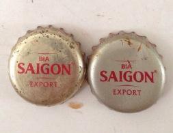 2 Different Vietnam Viet Nam Saigon Red Beer Used Crown Caps / Cap / Kronkorken / Capsule / Chapa / Tappi - Capsules & Plaques De Muselet