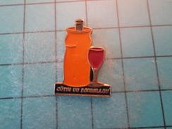 Pin1215b Pin's Pins : Rare Et Belle Qualité BOISSONS / VIN COTES DU ROUSSILLON VERRE BOUTEILLE - Christmas