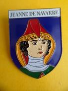 No Pins BROCHE Des ROIS Et REINES De France  JEANNE DE VAVARRE    - Ed. ATLAS - Personajes Célebres