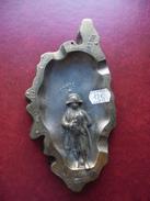 CORSE @ CENDRIER Métal 224 Grammes 16 X 8,5 Cm; Villes Inscrites @ Napoléon Premier Empereur - Metal