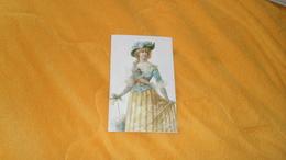 GRAND CHROMO OU IMAGE ANCIENNE DATE ?. 16CM X 10,2CM ./ FEMME ELEGANTE. - Trade Cards