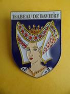 No Pins BROCHE Des ROIS Et REINES De France  ISABEAU DE BAVIERE  - Ed. ATLAS - Personajes Célebres