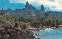 Polynésie Française UAPU ILES MARQUISES Avec Ses Pics Imposants Et Pittoresques (photo Cinema /Tahiti) - Polynésie Française