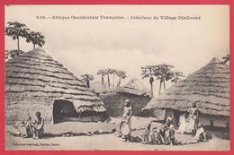 CPA * A.O.F. Haut-Niger - Intérieur De Village DJALLONKÉ * ANimation * TBE * Scann RECTO/VERSO - Niger