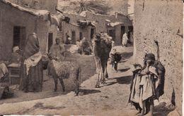 ALGERIE -- SCENES Et TYPES -- Une Rue Du Village Arabe - Plaatsen