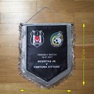 Flag (Pennant / Banderín) ZA000037 - Football (Soccer / Calcio) Beşiktaş (Besiktas) Vs Fortuna Sittard 2017- - Habillement, Souvenirs & Autres