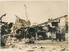 Photo De Presse - BEYROUTH, Liban - Avions Détruits Au Sol - Guerre, Militaire