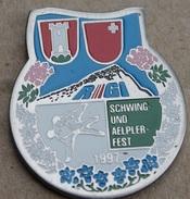 LUTTE SUISSE - SCHWING UND AELPLERFEST 1997 - SUISSE - SCHWEIZ - SWIZTERLAND - RIGI - DRAPEAU CANTON DE SCHWYZ -    (14) - Wrestling