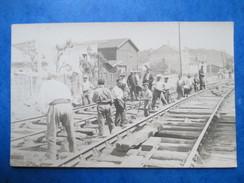 GIRONDE  33  BORDEAUX  - TRAVAUX   REBALLASTAGE   CHEMIN DE JONCTION   ( 1933   ) CARTE PHOTO    ANIME    TTB - Bordeaux