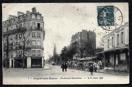 CPA ANCIENNE FRANCE- NOGENT-SUR-MARNE (94)- BOULEVARD GAMBETTA EN HIVER- BELLE ANIMATION- ATTELAGES AGRICOLES- PHARMACIE - Nogent Sur Marne