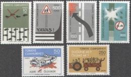 3130 ✅ Transport Cars Police Road Safety 1977 Turkey 6v Set MNH ** - Police - Gendarmerie