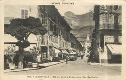ALBERTVILLE - Rue Gambetta. - Albertville