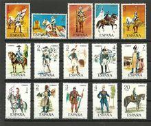 ESPAÑA TRES SERIES MILITARES  SIN CHARNELA *** (K. 13 C.09.17) - España