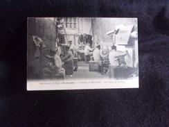 """Aubusson.Manufacture De Tapis """" Tabard & Pruneau """" .Un Atelier De Peinture.Voir 2 Scans. - Aubusson"""